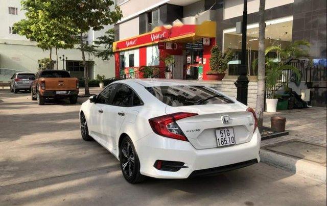 Bán ô tô Honda Civic Turbo 1.5G năm 2018, màu trắng, xe nhập chính chủ3