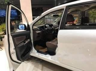 Bán xe Toyota Avanza đời 2019, màu trắng, nhập khẩu4
