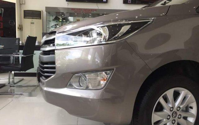 Bán xe Toyota Innova 2.0E sản xuất năm 2019 giá cạnh tranh2