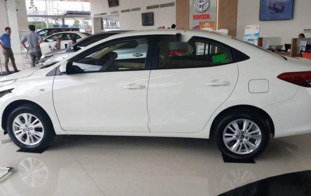 Bán ô tô Toyota Vios 1.5E 2019, màu trắng, mới 100%0