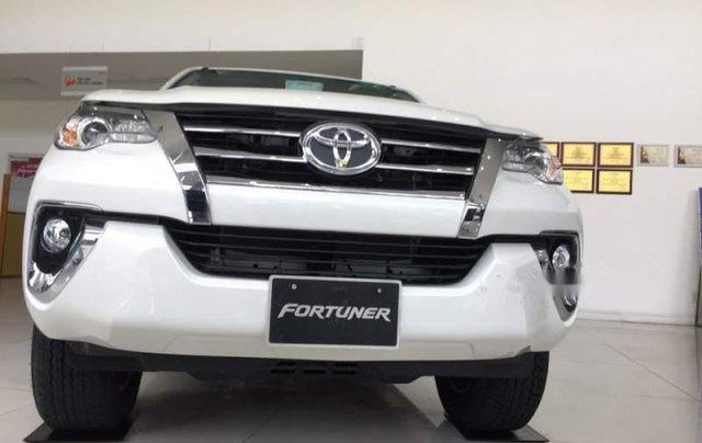 Bán xe Toyota Fortuner đời 2019, màu trắng, xe nhập2