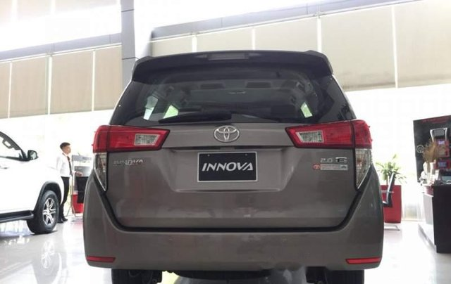 Bán xe Toyota Innova 2.0E sản xuất năm 2019 giá cạnh tranh3