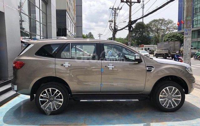 Ford Everest Titanium 2019, trả góp 90%, chỉ cần 200tr nhận xe ngay, giảm gần 60tr tiền mặt, Lh 0911 777 8660