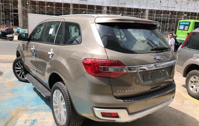 Ford Everest Titanium 2019, trả góp 90%, chỉ cần 200tr nhận xe ngay, giảm gần 60tr tiền mặt, Lh 0911 777 8662