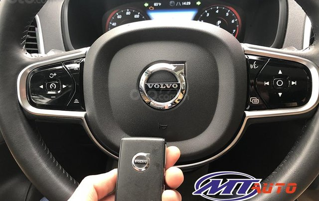 MT Auto bán ô tô Volvo XC90 Momentum 2017, màu trắng, xe nhập khẩu - LH em Hương 094539246811