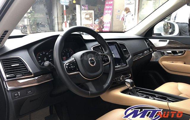 MT Auto bán ô tô Volvo XC90 Momentum 2017, màu trắng, xe nhập khẩu - LH em Hương 094539246814