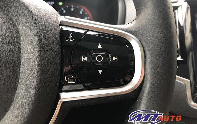 MT Auto bán ô tô Volvo XC90 Momentum 2017, màu trắng, xe nhập khẩu - LH em Hương 094539246818