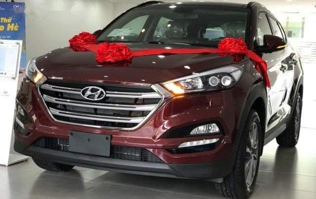 Cần bán xe Hyundai Tucson năm sản xuất 2019, màu đỏ, 775tr0