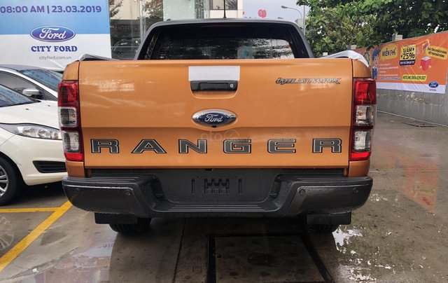 Bán Ranger Wildtrak 2.0 Bi-Turbo 4x4 màu cam, mới 100%3