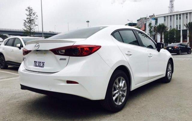 Cần bán xe Mazda 3 đời 2019, màu trắng, 639 triệu1