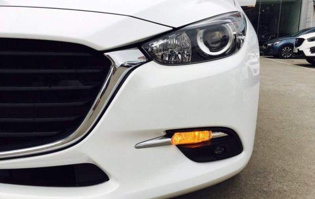 Cần bán xe Mazda 3 đời 2019, màu trắng, 639 triệu2