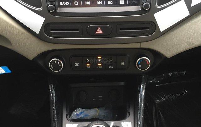 Hot - Kia Rondo 2019 giá ưu đãi cùng nhiều phần quà vô cùng hấp dẫn3