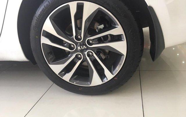 Hot - Kia Rondo 2019 giá ưu đãi cùng nhiều phần quà vô cùng hấp dẫn5