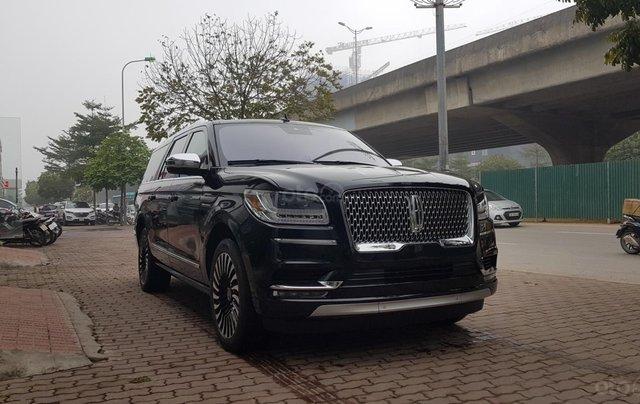 Bán ô tô Lincoln Navigator L Black Label sản xuất 2019, màu đen, nhập khẩu mới 100%0