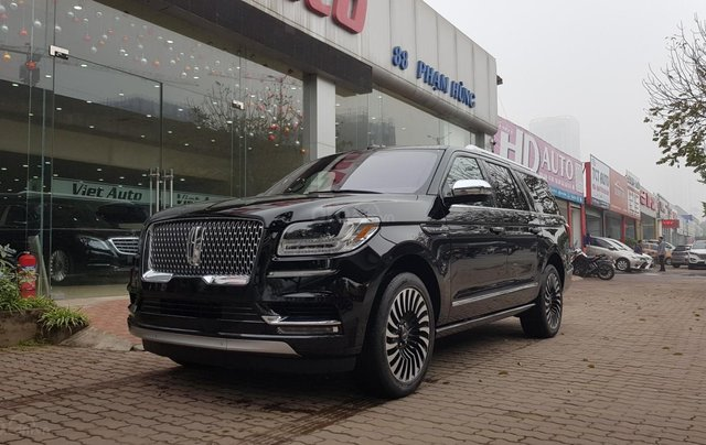 Bán ô tô Lincoln Navigator L Black Label sản xuất 2019, màu đen, nhập khẩu mới 100%2