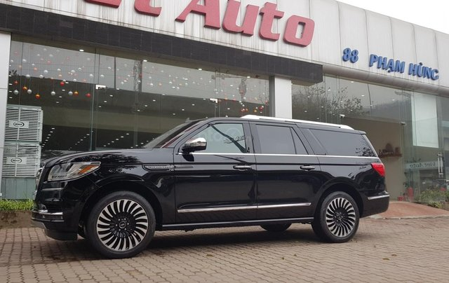 Bán ô tô Lincoln Navigator L Black Label sản xuất 2019, màu đen, nhập khẩu mới 100%3