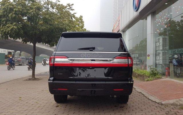Bán ô tô Lincoln Navigator L Black Label sản xuất 2019, màu đen, nhập khẩu mới 100%5