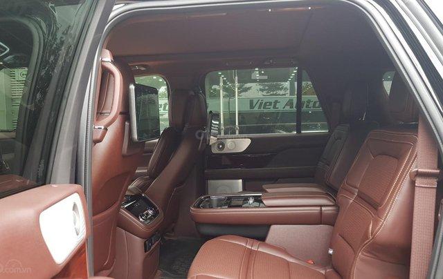 Bán ô tô Lincoln Navigator L Black Label sản xuất 2019, màu đen, nhập khẩu mới 100%11