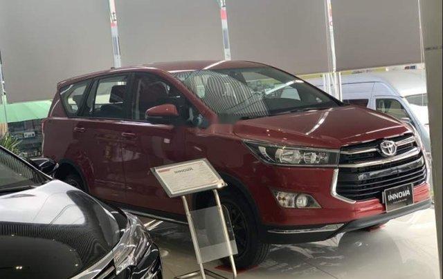 Bán xe Toyota Innova Venturer năm sản xuất 2019, màu đỏ2