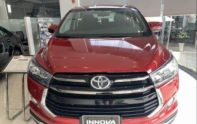 Bán xe Toyota Innova Venturer năm sản xuất 2019, màu đỏ0