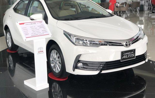 Bán Toyota Corolla Altis năm 2019 màu trắng, 746 triệu0