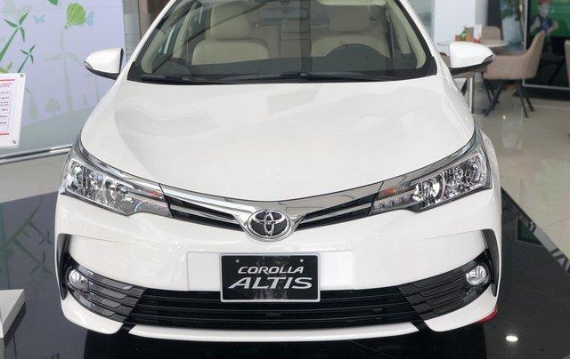 Bán Toyota Corolla Altis năm 2019 màu trắng, 746 triệu1