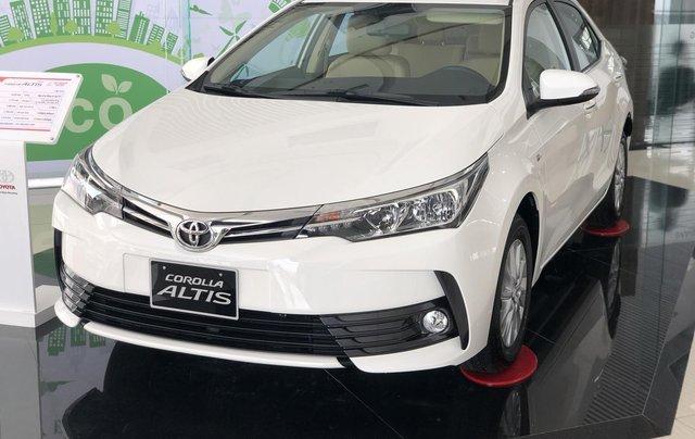Bán Toyota Corolla Altis năm 2019 màu trắng, 746 triệu2