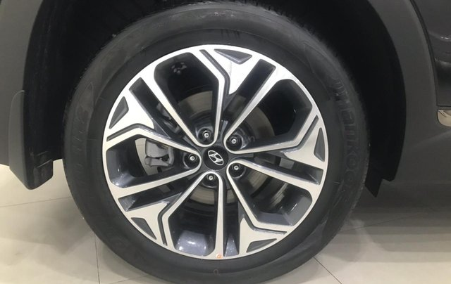 Hyundai Santa Fe 2019 bản Premium máy dầu - xe giao ngay - nhiều ưu đãi - 09199299233