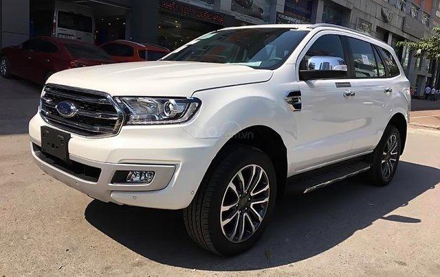 Cần bán xe Ford Everest Titanium 4WD năm 2019, màu trắng0