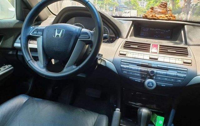 Bán Honda Accord sản xuất năm 2012, màu trắng, nhập khẩu, xe còn rất rất mới3