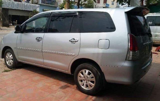 Cần bán Toyota Innova MT đời 2011, màu bạc, biển HN4