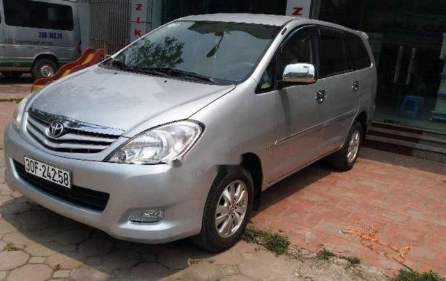 Cần bán Toyota Innova MT đời 2011, màu bạc, biển HN5
