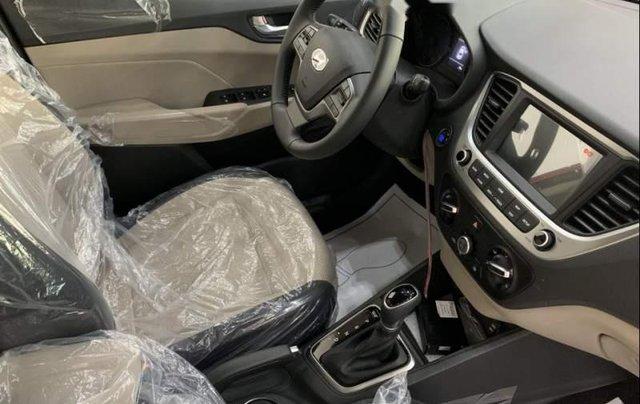 Bán Hyundai Accent đời 2019, màu đỏ3