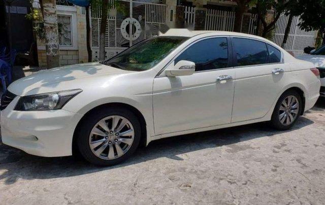Bán Honda Accord sản xuất năm 2012, màu trắng, nhập khẩu, xe còn rất rất mới0