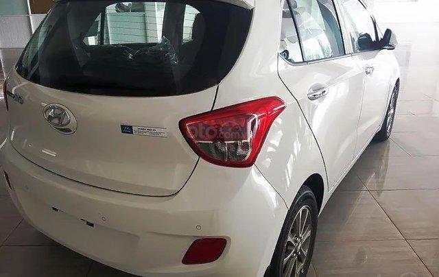 Bán Hyundai Grand i10 sản xuất 2014, màu trắng, 250 triệu0