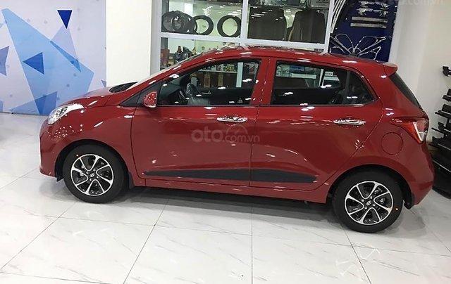 Bán Hyundai Grand i10 AT năm 2019, màu đỏ0