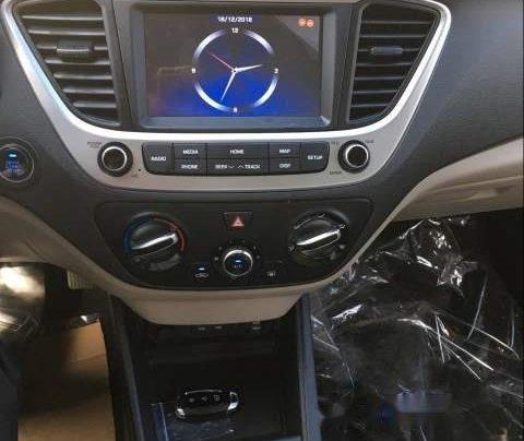 Cần bán xe Hyundai Accent sản xuất năm 2019, nhập khẩu3