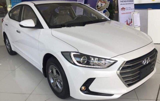 Bán Hyundai Elantra năm sản xuất 2019, giá sập sàn5