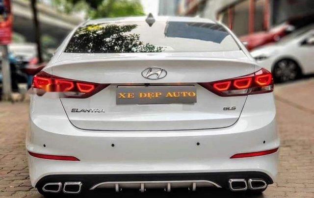 Bán Hyundai Elantra đời 2019, màu trắng, nhập khẩu  1
