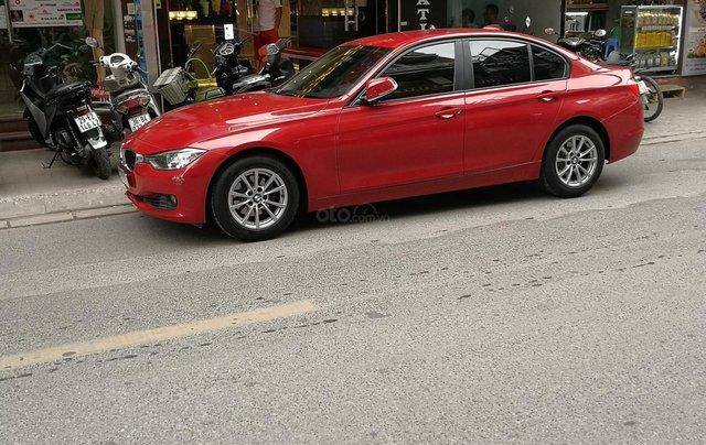 Cần bán xe BMW 320i sản xuất 2012 màu đỏ3
