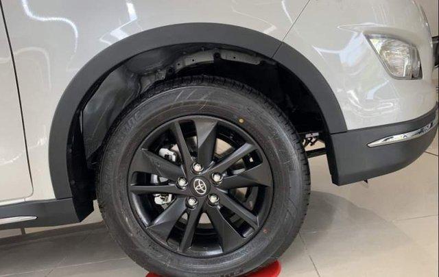 Bán Toyota Innova đời 2019, màu trắng, giá tốt2