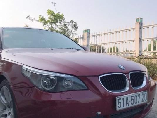 Bán BMW 5 Series 530i sản xuất năm 2005, màu đỏ, giá 420tr3
