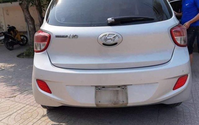 Cần bán lại xe Hyundai Grand i10 đời 2015, màu bạc, nhập khẩu nguyên chiếc như mới5