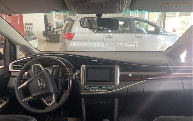 Bán Toyota Innova đời 2019, màu trắng, giá tốt5