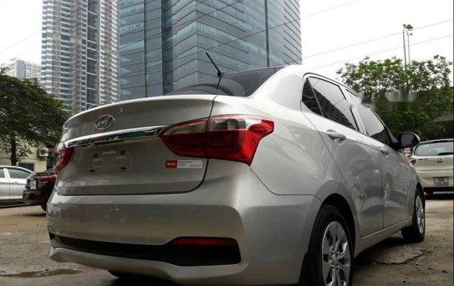Bán xe Hyundai Grand i10 năm 2018, màu bạc0