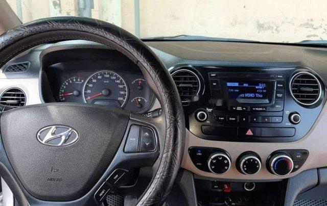 Cần bán lại xe Hyundai Grand i10 đời 2015, màu bạc, nhập khẩu nguyên chiếc như mới3