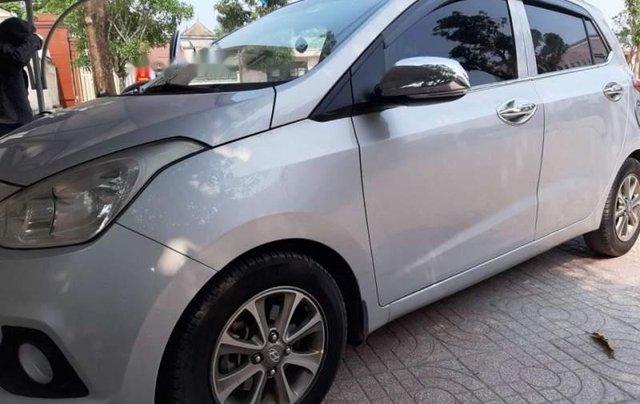 Cần bán lại xe Hyundai Grand i10 đời 2015, màu bạc, nhập khẩu nguyên chiếc như mới0