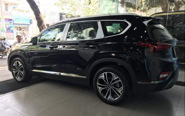 Bán Hyundai Santa Fe 2019, màu đen4