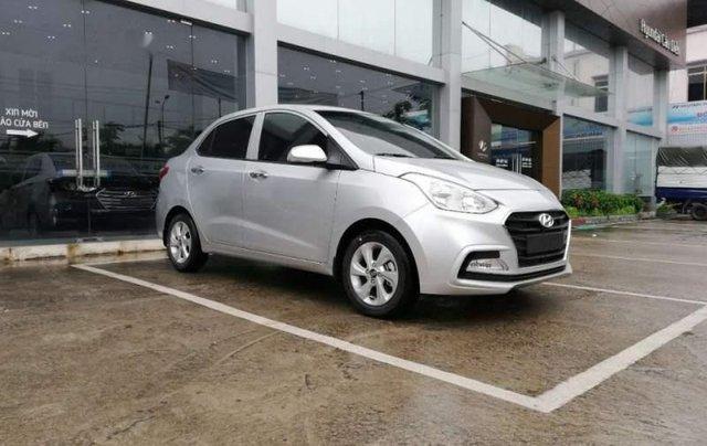 Cần bán Hyundai Grand i10 năm 2019, màu bạc, giá tốt0