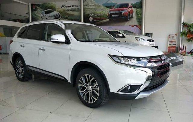 Bán xe Mitsubishi Outlander năm sản xuất 2019, màu trắng0